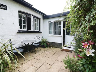 Photo for THE LITTLE DAIRY, pet friendly, with a garden in Pembroke, Ref 987590