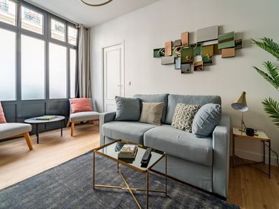 Photo for Beautiful 2-Bedroom Apartment in South Pigalle