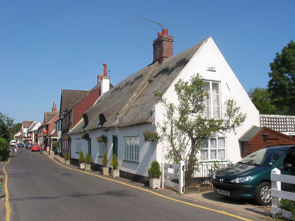 Riverside Village Cottage In The Heart Of The Norfolk