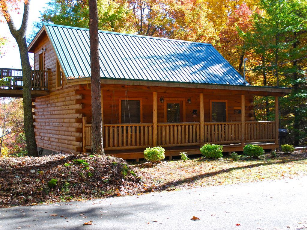 river tub view cabin cabins gatlinburg vacation forge bedroom rental on cheap hot convenient the riverfront two tn pigeon rentals