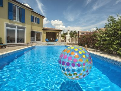 Photo for Attractive villa with 6 bedrooms, pool, sauna, table tennis, air conditioning, WiFi and large barbecue area