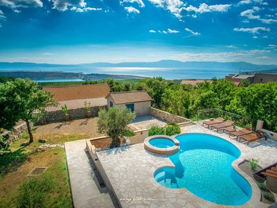 Photo for Picture perfect holiday villa overlooking Kvarner