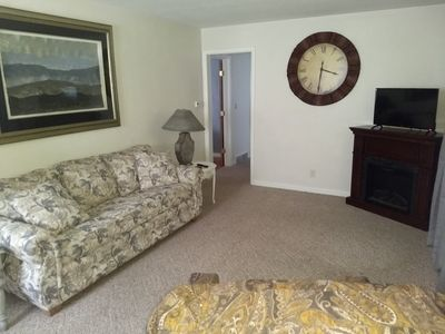 Photo for Comfort, friendly, low crime, close to parks, hospitals, shopping