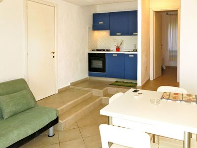 Photo for Cosy apartment for 2 guests with pool, A/C, WIFI, TV, balcony, pets allowed and parking