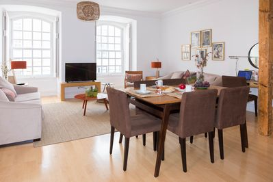 Bright and spacious lounge | Large windows