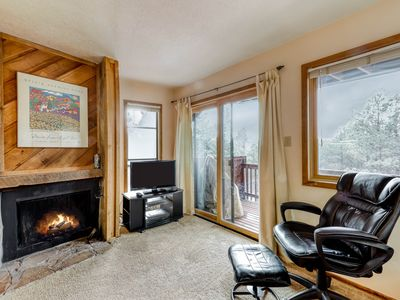 Photo for Mountain retreat style condo w/ free WiFi, jetted tub, & wood burning fireplace!