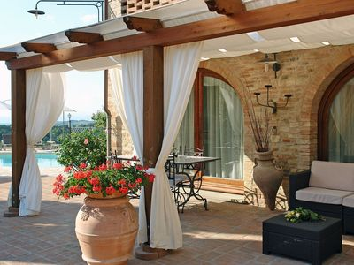 Photo for Stunning private villa for 6 guests with WIFI, pool, TV and parking, close to San Gimignano