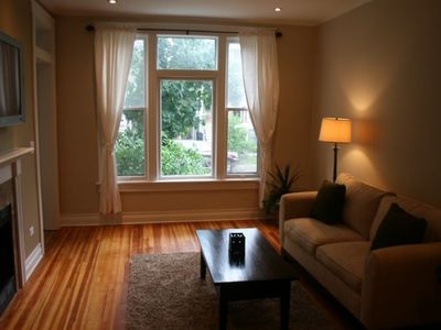 Photo for Great Location!!  Roscoe Village, Lakeview, Close to Wrigley