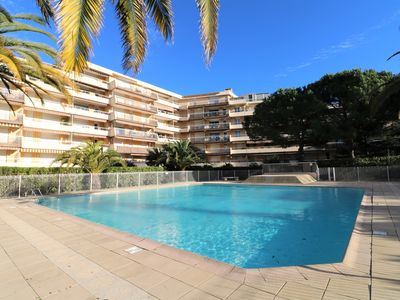 Photo for Very quiet studio in Fréjus 350 meters from the beach with parking and swimming pool