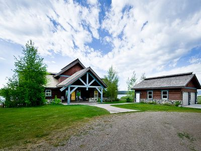 Photo for SOUTH SHORES ⭐️WATERFRONT CABIN WITH PRIVATE DOCK FREE WIFI BBQ GRILL HOT TUB SATELLITE TV