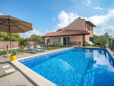 Photo for Vacation home Mak  in Pula/Marčana, Istria - 8 persons, 3 bedrooms