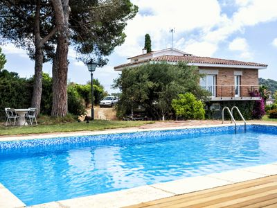 Photo for CINTO - SPACIOUS and BRIGHT - Large and private garden and pool - fronton and BBQ areas- 25 min. from Barcelona.