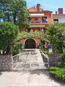 Photo for 2BR Apartment Vacation Rental in Njivice, Kvarner Bucht