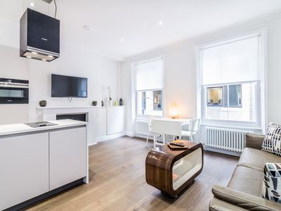 Photo for Modern 1 bed flat in the heart of Covent Garden
