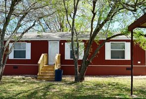 Photo for 2BR Mobile Home Vacation Rental in Pearsall, Texas