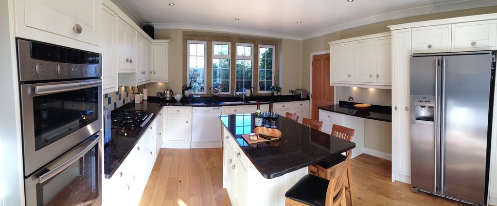 Fabulous 5 bedroomed spacious stone house in historic for Perfect kitchens chipping norton
