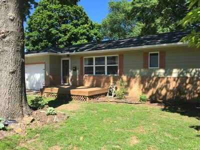 Photo for Pet friendly 3BR 2 BA house with large fenced yard and ample parking