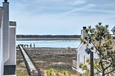 You'll have direct views of Assauteague Island from the dock!