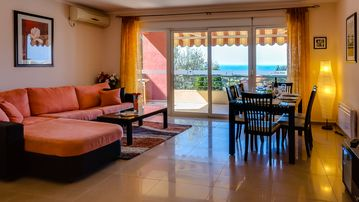Apartment MONTENEGRO incl. Wireless internet ✓ SAT-TV ✓ Climate ✓ Panoramic sea view ✓ Parking