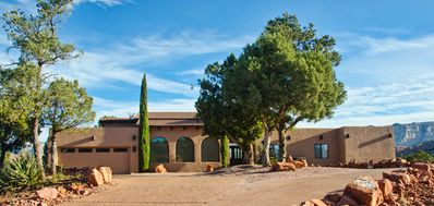 Upscale Sedona Villa, Sleeps 10, Spectacular Views