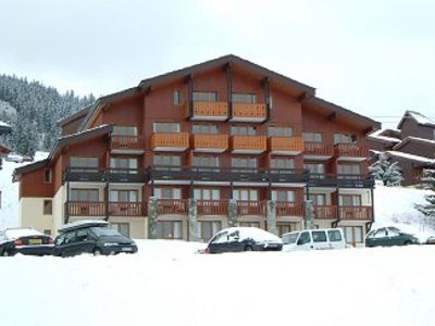 Photo for Traditional Alpine Chalet Apt, Spacious, Recently Renovated, Ski-in/out, Parking