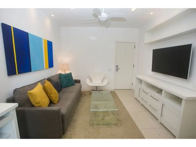 Photo for Lira 605 - Flat in Leblon with pool and near the beach!