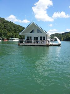 Photo for 4BR House Boat Vacation Rental in La Follette, Tennessee