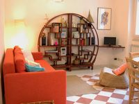 Great apartment in a good location close to the station, restaurants and the beach