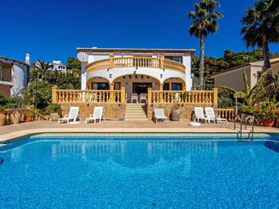 Photo for Wonderful private villa for 8 guests with private pool, A/C, TV and parking