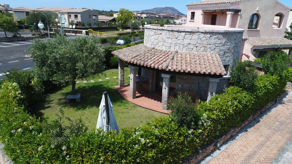 Wonderful chalet with large garden and solarium, Porto San Paolo ...