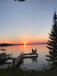 400 feet of lakeshore, gorgeous sunsets, private dock, bike trail, cabin retreat