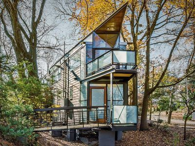 Photo for Urban Glass Tree House
