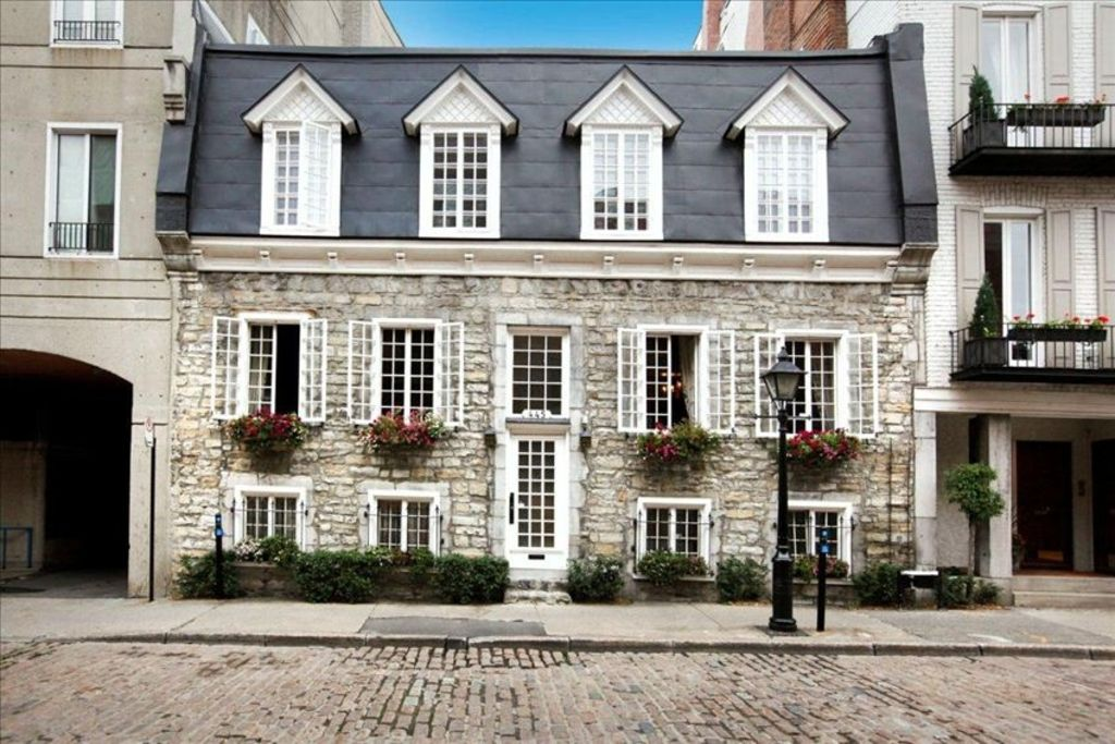 Live in History in the Heart of Old Montreal
