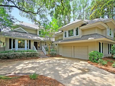 Photo for Perfectly situated in the heart of Kiawah.Updated kitchen. Golf course views.