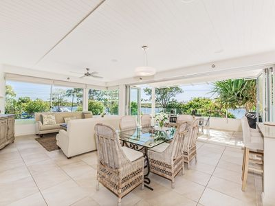 Photo for Stunning Noosa Riverfront Apartment