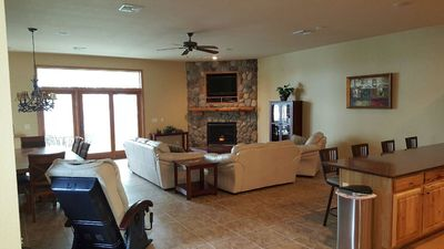 Lakefront Town Home,  Massage Chair,  Free Wifi - Pets