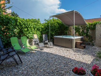 Photo for Magnificient panoramic view, wideview terrace, relaxing hot tube
