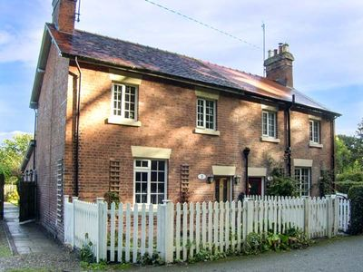 Photo for Aqueduct Cottage, CHIRK