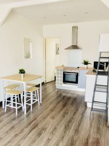 Photo for Hyeres city center beautiful T2 ideally located with parking space