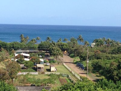 Photo for Top floor apartment of Lodge at Waihuena Farm, walk to Pipeline view deck nature