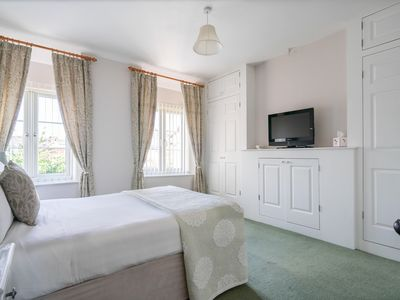 2 Bedroom Cottage in the heart of Cirencester. The Capital of the Cotswolds