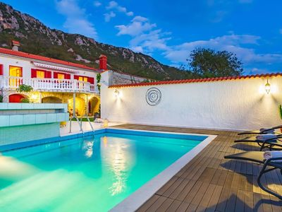 Photo for Holiday house with an outdoor pool and Internet