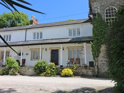 Photo for SEA CLIFF COTTAGE, pet friendly, with hot tub in Pentewan, Ref 981284