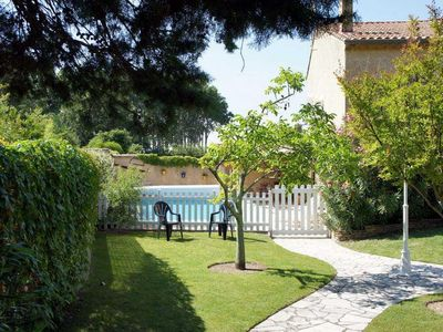 Photo for Holiday house for rent with private pool near Gordes - Luberon - Provence
