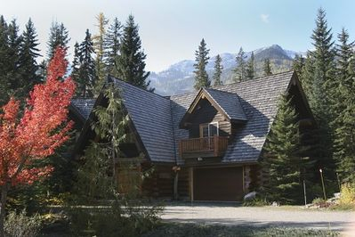 The Lodge at Fernie in autumn