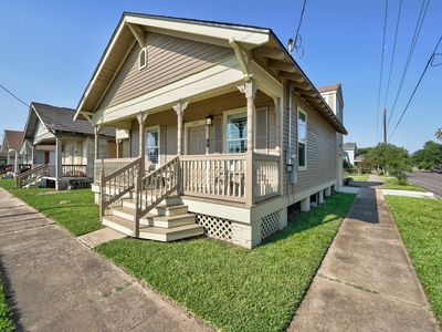 Photo for NEW LISTING! Cottage w/front porch- walk to the beach, Pleasure Pier, and a park
