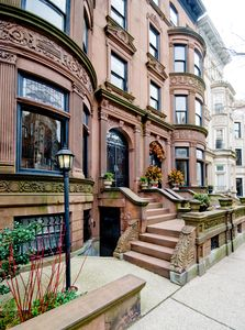 Photo for 1 Bedroom Plus in Historic Brownstone