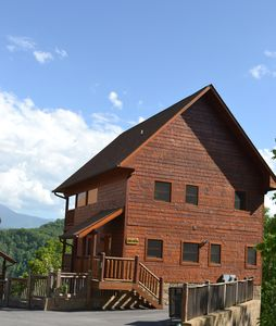 Photo for Breathtaking Views 2 Bd/2Ba cabin - private street.  $99 Midweek rates!