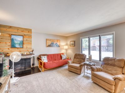 Photo for Charming condo near water w/patio & shared sauna, Ping-Pong table