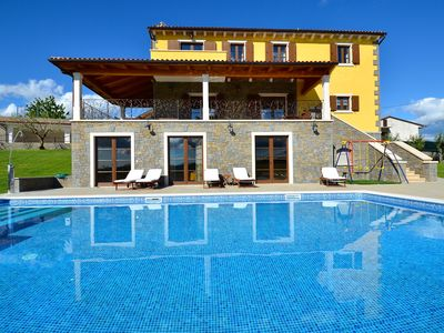 Photo for Luxurious Villa Maslina, ideal for families, with pool and great views